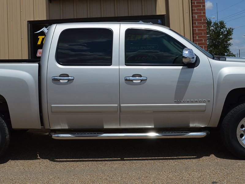 Lund Truck Bed Covers step-rail-chevy-silverado-truck-accessory-lubbock-1-july-2013